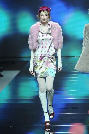 Показ Blugirl коллекции сезона Осень-зима 2009-2010 года prêt-à-porter - www.elle.ru - Подиум - фото 94327