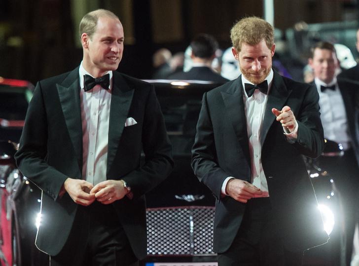 Принцы Уильям и Гарри на премьере новых «Звездных войн» (фото 6)