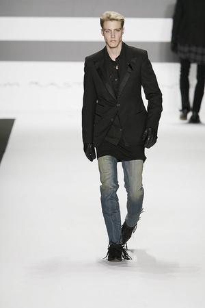 Показы мод William Rast Осень-зима 2009-2010 | Подиум на ELLE - Подиум - фото 3198