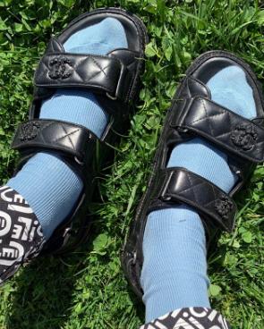 Как носить сандали с носками? Показывает стилист и инфлюенсер Бланка Миро (фото 0.2)