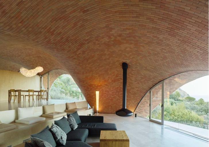 Экспериментальный дом Stgilat Auguablava в Каталонии (фото 8)