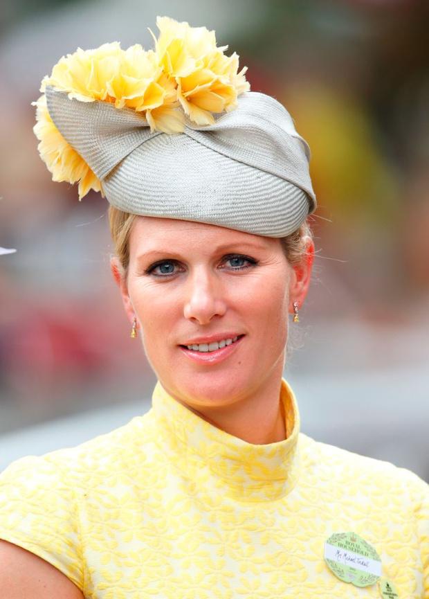 Фото №2 - Самые необычные шляпы гостей королевских скачек Аскот 2015
