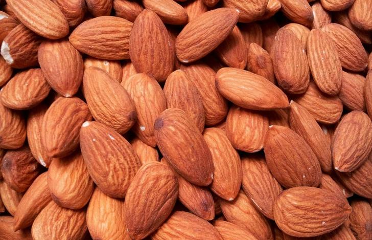 Семена льна, миндаль, арахис