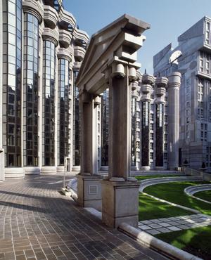 Рикардо Бофилл: самый известный архитектор постмодернизма (фото 27.1)