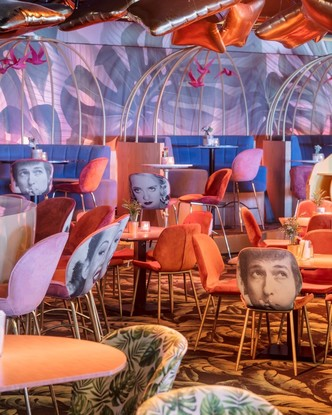 «Безумный» бар Crazy Pianos в Гааге (фото 3.2)