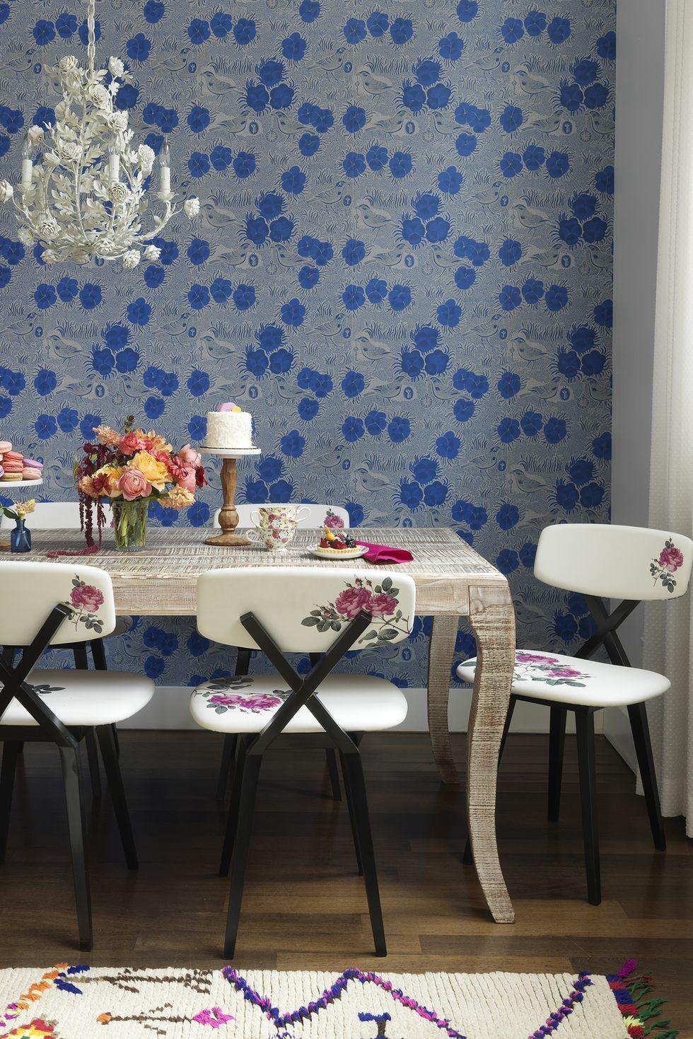 Обои в цветочек в столовой: 25+ вдохновляющих примеров (галерея 1, фото 0)