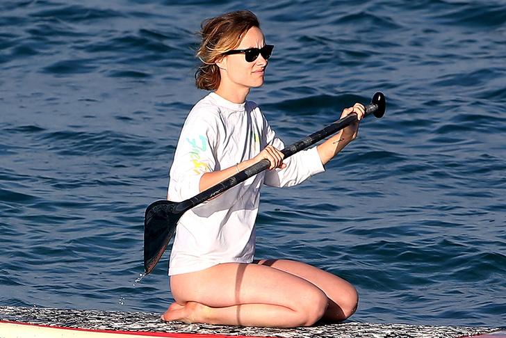 В отличной форме: Оливия Уайлд в купальнике на берегу Тихого океана (фото 4)