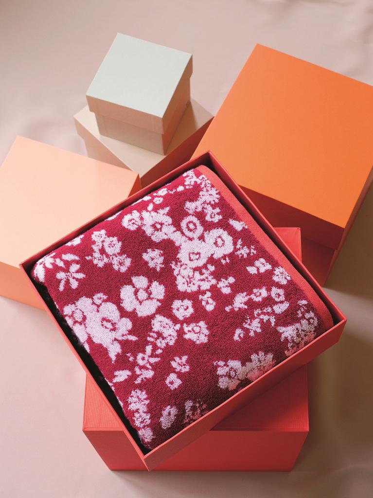 Цветущий вид: новая коллекция постельного белья Yves Delorme