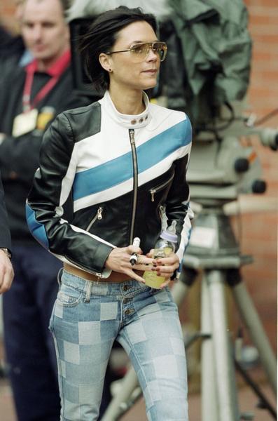 Виктория Бекхэм назвала свой главный модный провал | галерея [1] фото [12]