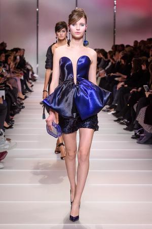 Показ Giorgio Armani Privé коллекции сезона Весна-лето 2018 года Haute couture - www.elle.ru - Подиум - фото 676541