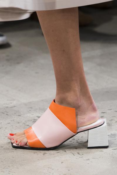 4617af2694d7 Тренды обуви 2018 - модные тенденции года   женский журнал Elle.ru    галерея ...