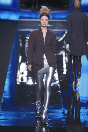 Показ Karl Lagerfeld коллекции сезона Осень-зима 2010-2011 года prêt-à-porter - www.elle.ru - Подиум - фото 156005