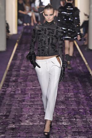 Показ Atelier Versace коллекции сезона Осень-зима 2014-2015 года Haute couture - www.elle.ru - Подиум - фото 584596