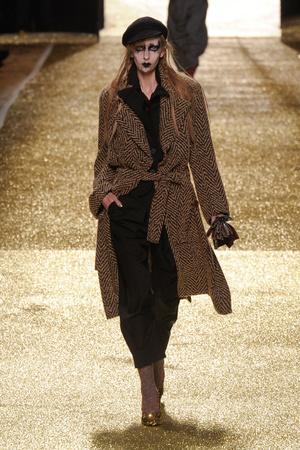 Показ Vivienne Westwood коллекции сезона Осень-зима 2011-2012 года Prêt-à-porter - www.elle.ru - Подиум - фото 253040
