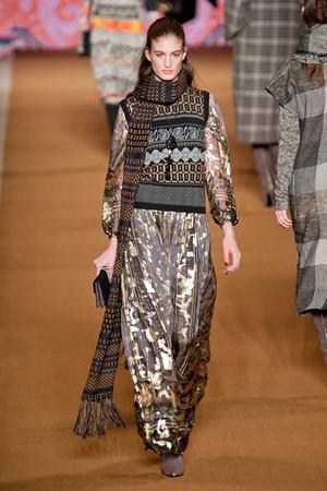 Показы мод Etro Осень-зима 2014-2015 | Подиум на ELLE - Подиум - фото 3943