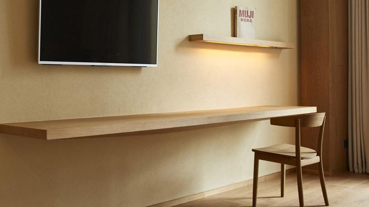 Аскетичный люкс в интерьерах первого отеля Muji (фото 4)