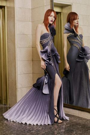 Показ Atelier Versace коллекции сезона Весна-лето  2017 года Haute couture - www.elle.ru - Подиум - фото 616872