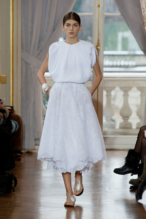 Показ Christophe Josse коллекции сезона Весна-лето 2013 года Haute couture - www.elle.ru - Подиум - фото 477027