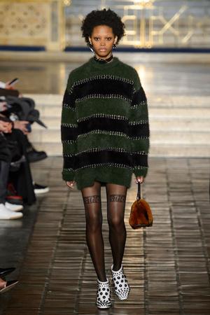 Показы мод Alexander Wang Осень-зима 2016-2017 | Подиум на ELLE - Подиум - фото 4498