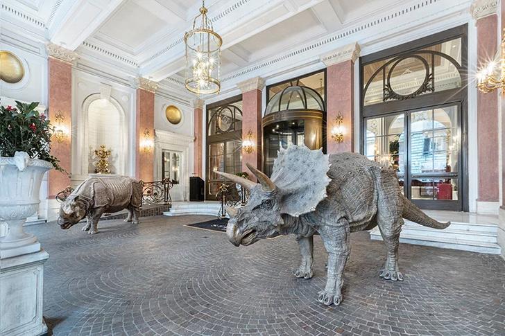 Выставка Сунь Юаня и Пэн Юя в отеле St. Regis в Риме (фото 7)