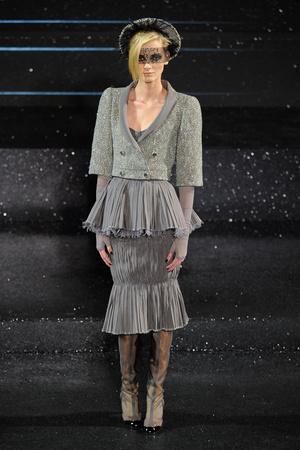 Показ  коллекции сезона Осень-зима 2011-2012 года Haute couture - www.elle.ru - Подиум - фото 278053