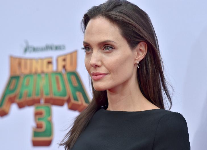 Сколько весит Анджелина Джоли