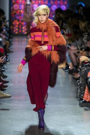 Показы мод Anna Sui осень-зима  2018-2019 | Подиум на ELLE - Подиум - фото 6321