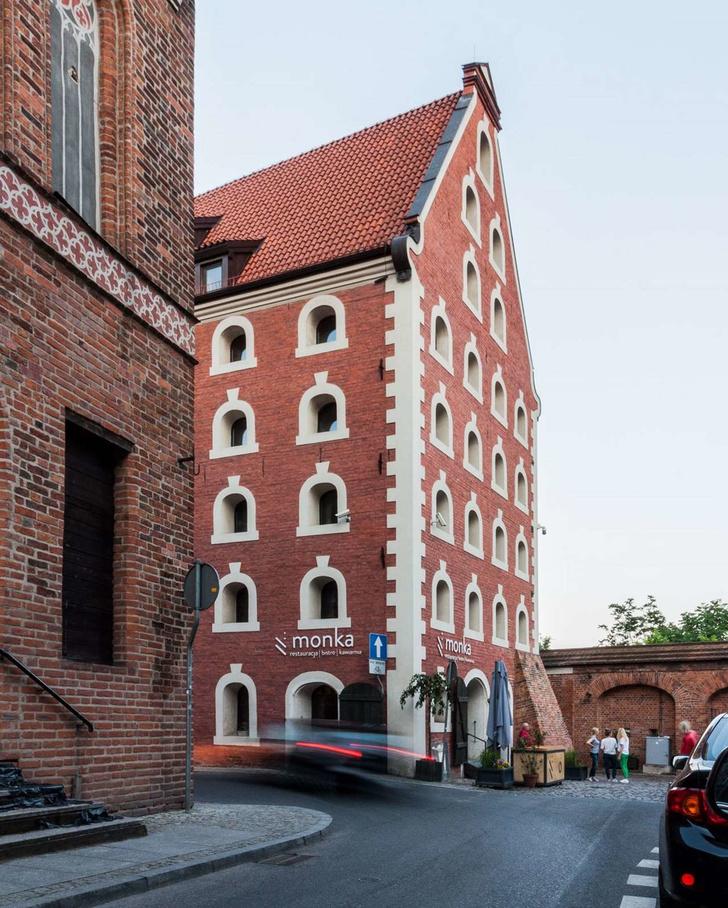 Современные апартаменты в готическом здании (фото 2)