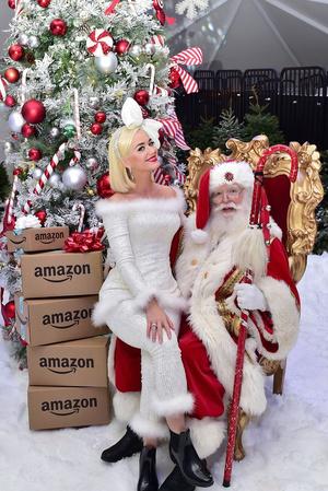Кэти Перри на рождественской вечеринке (фото 0.2)