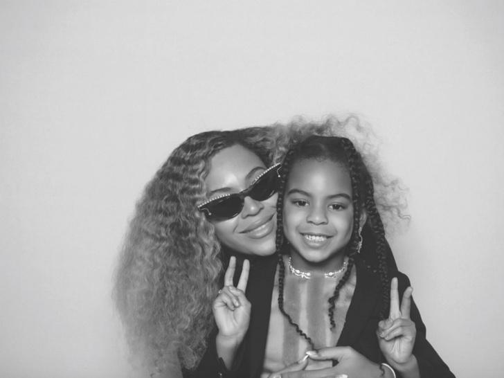 Бейонсе поделилась новыми фото с дочерью фото [1]