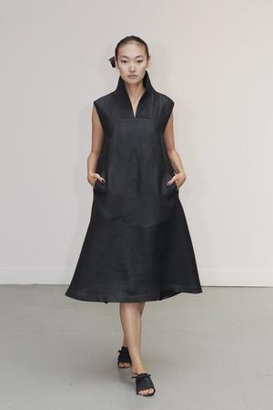 Показ Atelier Gustavo Lins коллекции сезона Осень-зима 2010-2011 года Haute couture - www.elle.ru - Подиум - фото 167273