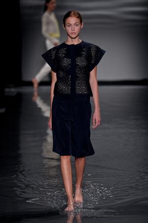 Показ Maison Rabih коллекции сезона Осень-зима 2011-2012 года Haute couture - www.elle.ru - Подиум - фото 277860