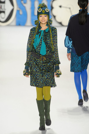 Показ Anna Sui коллекции сезона Осень-зима 2012-2013 года Prêt-à-porter - www.elle.ru - Подиум - фото 348536
