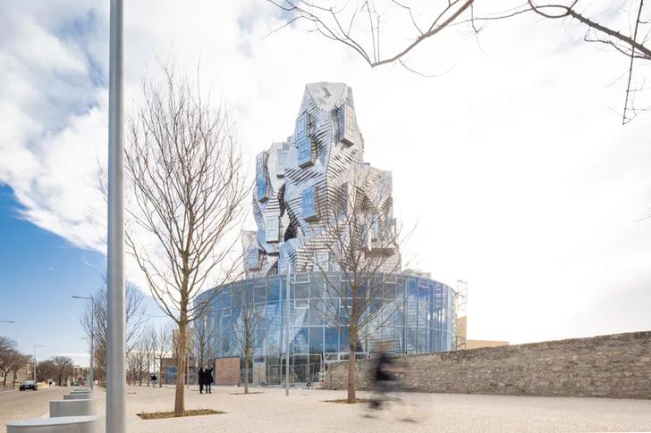 Башня LUMA по проекту Фрэнка Гери (фото 4)