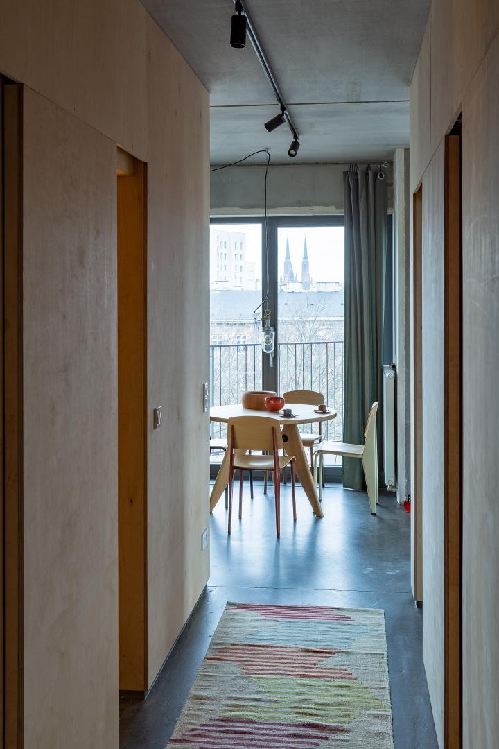 Бетонная квартира 55 м² архитектора Пшемо Лукашика в Варшаве (фото 12)
