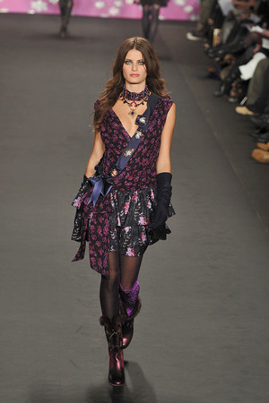 Показы мод Anna Sui Осень-зима 2009-2010 | Подиум на ELLE - Подиум - фото 3249