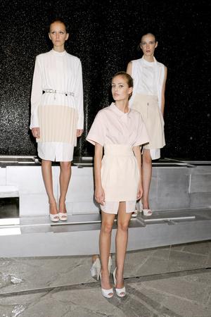 Показы мод Piazza Sempione Весна-лето 2012 | Подиум на ELLE - Подиум - фото 1886
