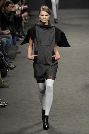 Показ CNC Costume National коллекции сезона Осень-зима 2011-2012 года Prêt-à-porter - www.elle.ru - Подиум - фото 245972