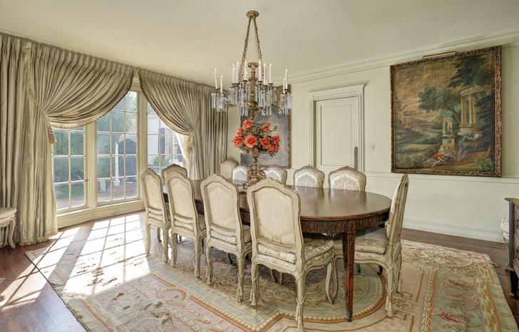 В Калифорнии продан бывший дом Рональда Рейгана (фото 0)