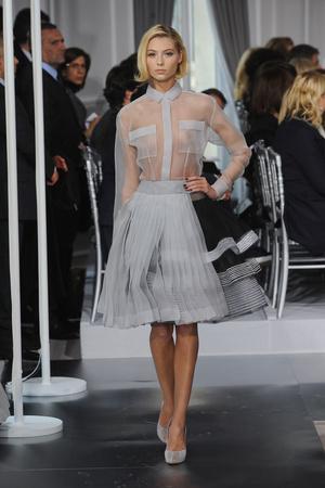 Показ Christian Dior коллекции сезона Весна-лето 2012 года Haute couture - www.elle.ru - Подиум - фото 330485