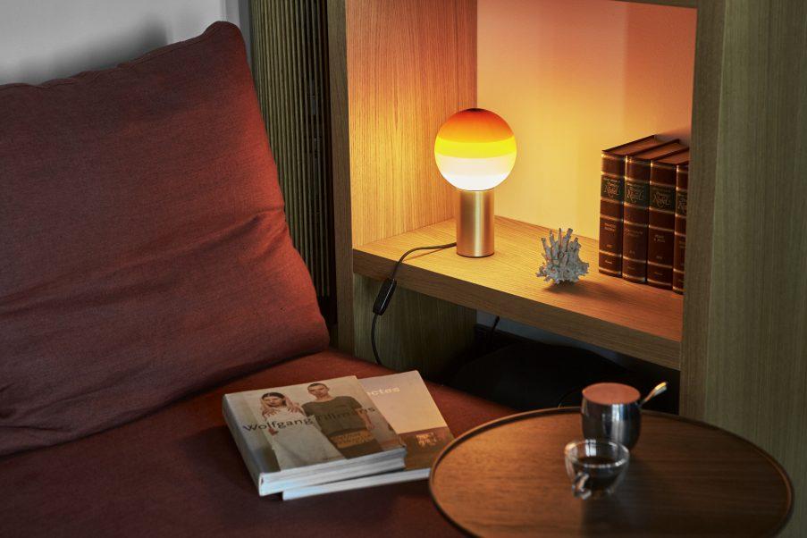 Лампы с градиентом Dipping Light от Marset (галерея 4, фото 1)