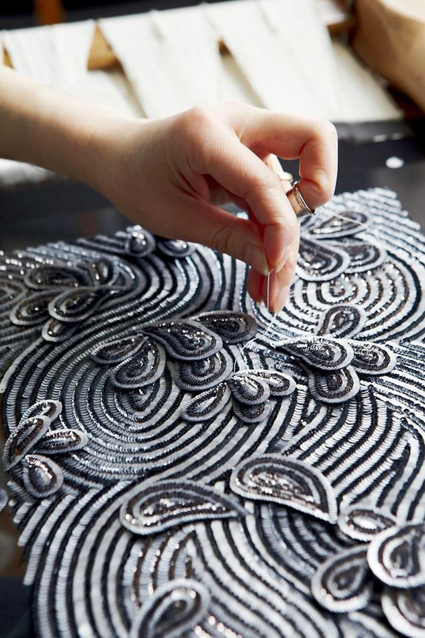Новая книга Haute Couture Ateliers: The Artisans of Fashion о модельерах и ателье высокой моды