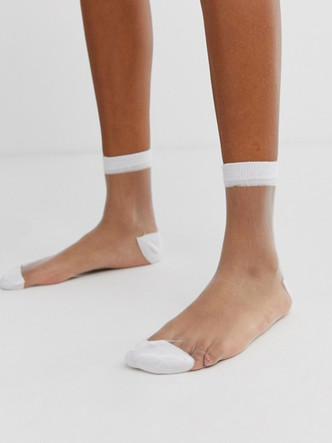 Микротренд: кроссовки + прозрачные носки (фото 9.2)