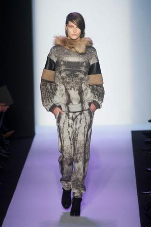 Показы мод BCBG Max Azria Осень-зима 2014-2015 | Подиум на ELLE - Подиум - фото 3800