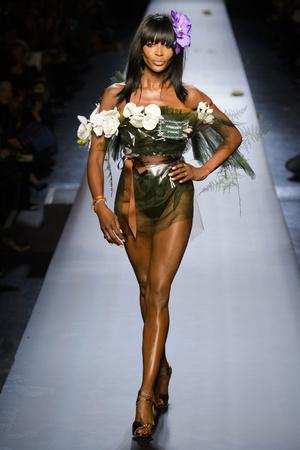 Показ Jean Paul Gaultier коллекции сезона Весна-лето 2015 года Haute couture - www.elle.ru - Подиум - фото 593208