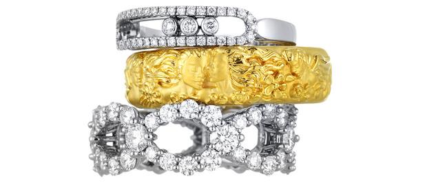 Кольцо Move Classique, белое золото, бриллианты, Messika, 89 700 руб. Кольцо Manuel Carrera, желтое золото, Carrera y Carrera, 77 000 руб. Кольцо Loop, платина, бриллианты, Harry Winston, 1 449 000 руб.