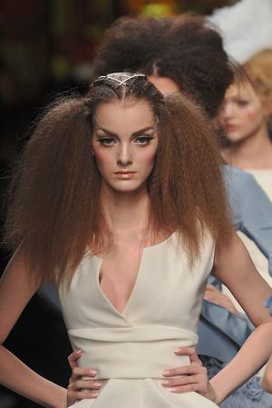 Показ Christian Dior коллекции сезона Весна-лето 2009 года Haute couture - www.elle.ru - Подиум - фото 86353