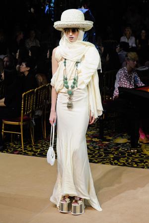 Показы мод Vivienne Westwood Весна-лето 2012 | Подиум на ELLE - Подиум - фото 1816