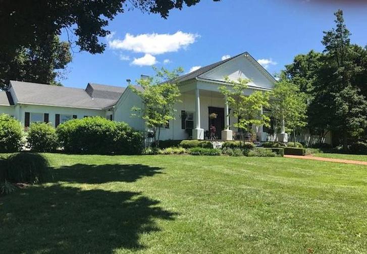 Лошадиная ферма Джонни Деппа в Кентукки будет продана с аукциона фото [6]