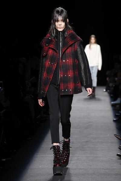 Неделя моды в Нью-Йорке: лучшие показы уикенда | галерея [1] фото [4]
